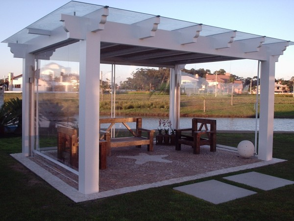 Example of retractable awning from Leavitt & Parris