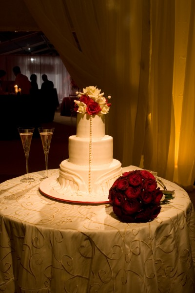 On-theme wedding cake