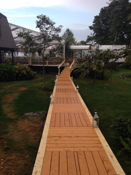 Wooden walkway set up by Leavitt & Parris for Biddeford Pool, Maine wedding