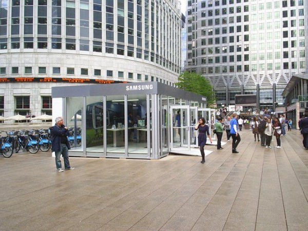 Mobile Modular Structures from Leavitt & Parris